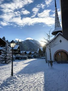 Ortsmitte Gstaad mit Palace Hotel © Gstaad Palace Hotel