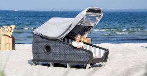 Schlafstrandkörbe auf Föhr: Schlafen am Strand