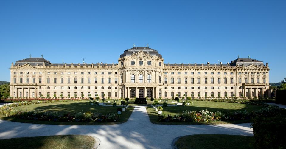 w rzburger residenz das sch nste barockschloss deutschlands. Black Bedroom Furniture Sets. Home Design Ideas