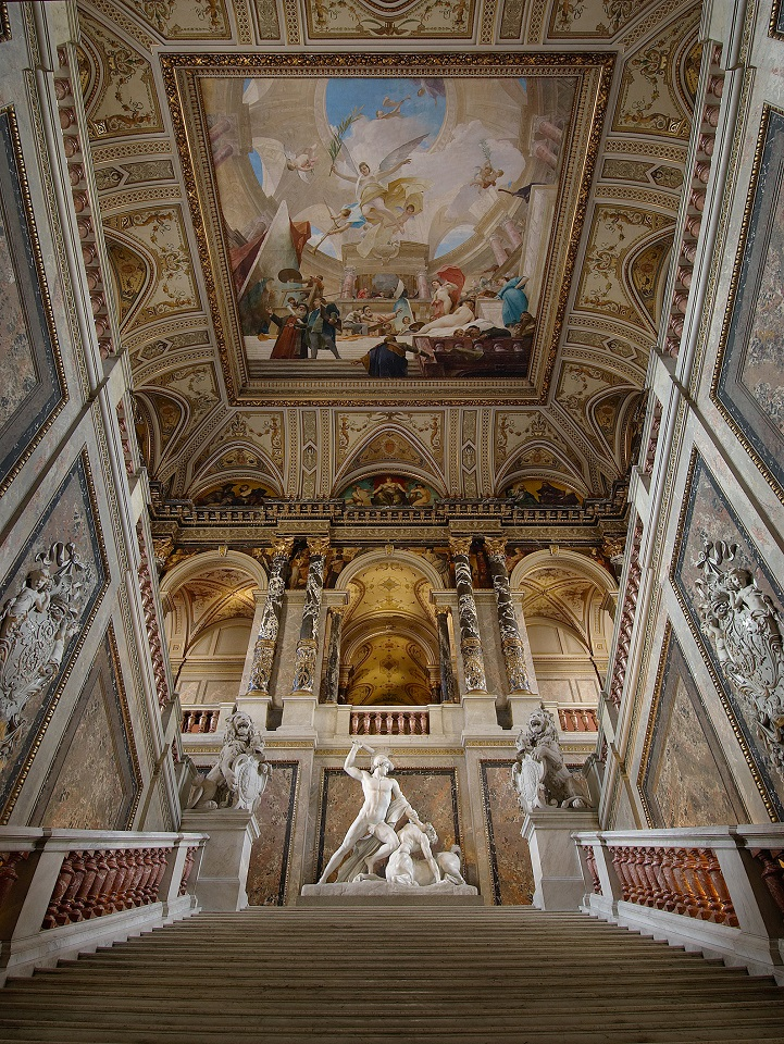 Stiegenaufgang im Kunsthistorischen Museum Wien, Österreich