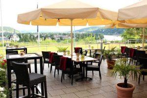 Terrasse mit Rheinblick