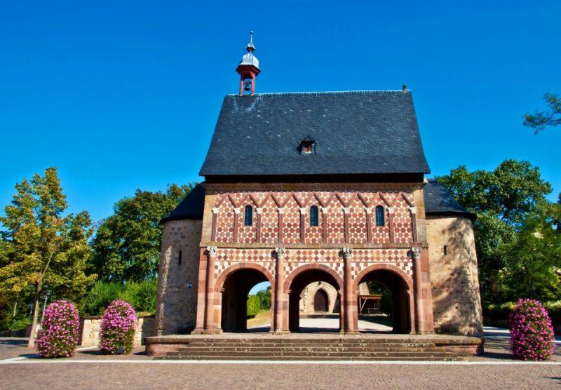 Kloster Lorsch, Königshalle