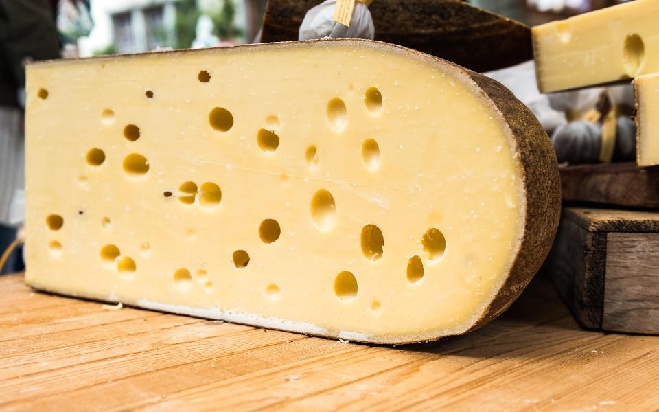Emmentaler Käse auf dem Markt
