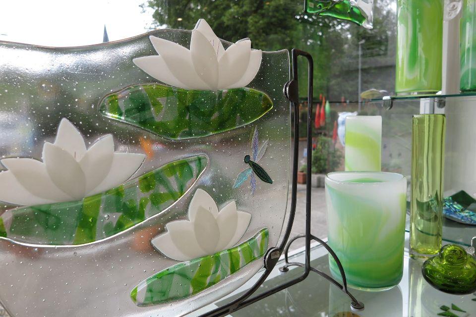Faszinierendes Spiel mit Licht und Farben im Glashaus in Ballrechten-Dottingen - nördliches Markgräflerland