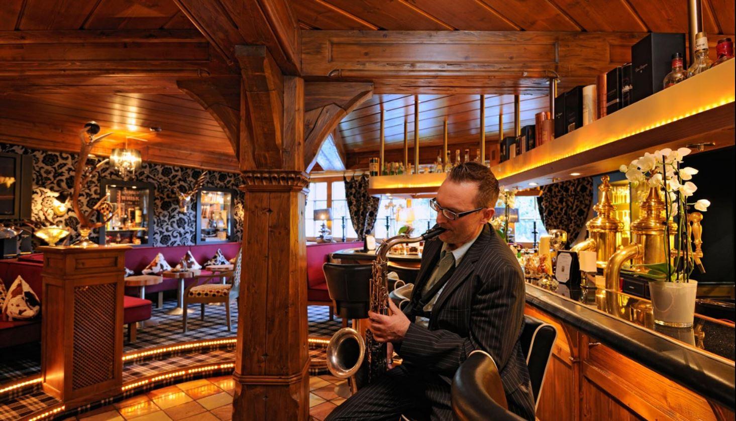 Piano-Bar-Hotel-Jagdhof-Glashütte