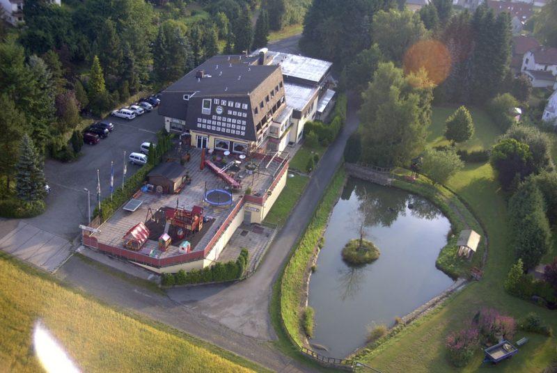 Luftaufnahme Gasthof Pension Sonnenberg