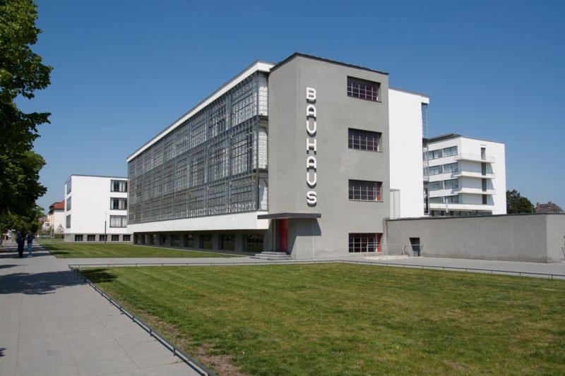 Bauhausgebäude Dessau (Architekt: Walter Gropius, 1925/26), 2011 © Stiftung Bauhaus Dessau, Foto: Yvonne Tenschert