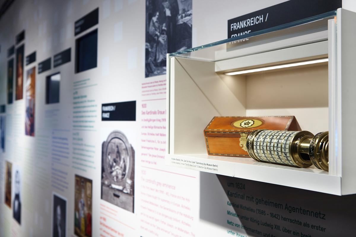 Deutsches Spionagemuseum, Dauerausstellung