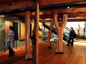 Das Internationale Maritime Museum, Wer früher ein Schiff bauen wollte, ging in den Wald und suchte nach geeigneten Bäumen für die Spanten