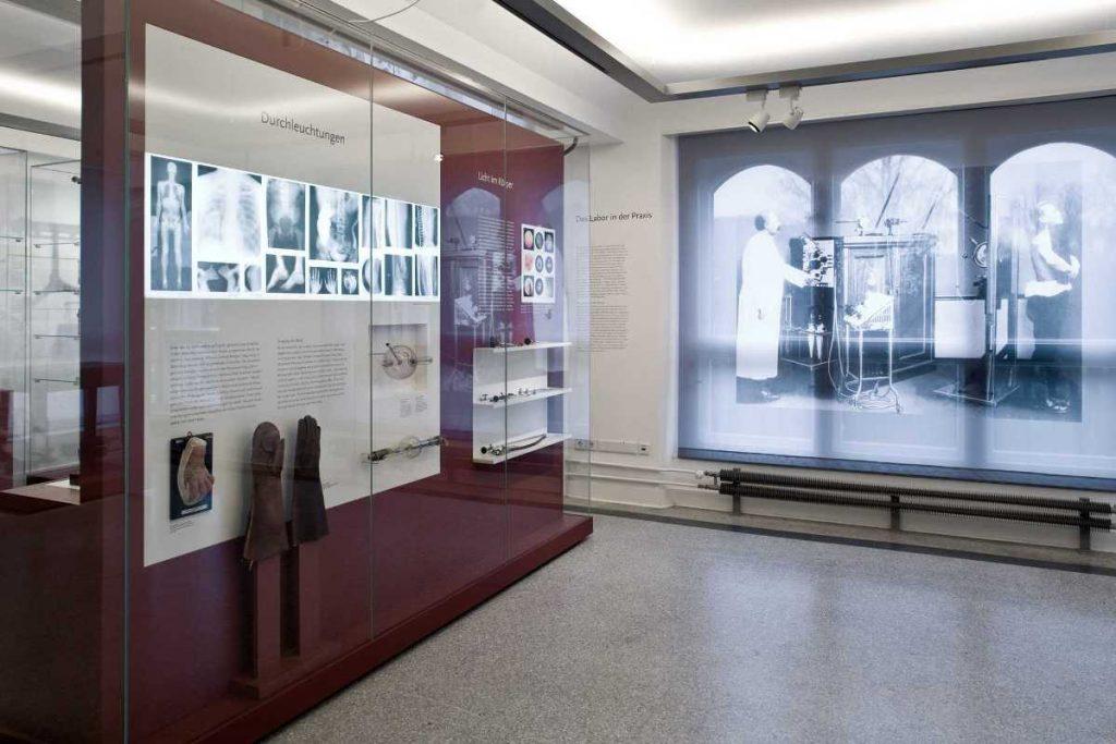 Das Berliner Medizinhistorische Museum der Charité, Dauerausstellung, Röntgen und Endoskopie