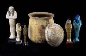 Roemer- und Pelizaeus-Museum Hildesheim, Uschebtis mit Uschebti-Behälter