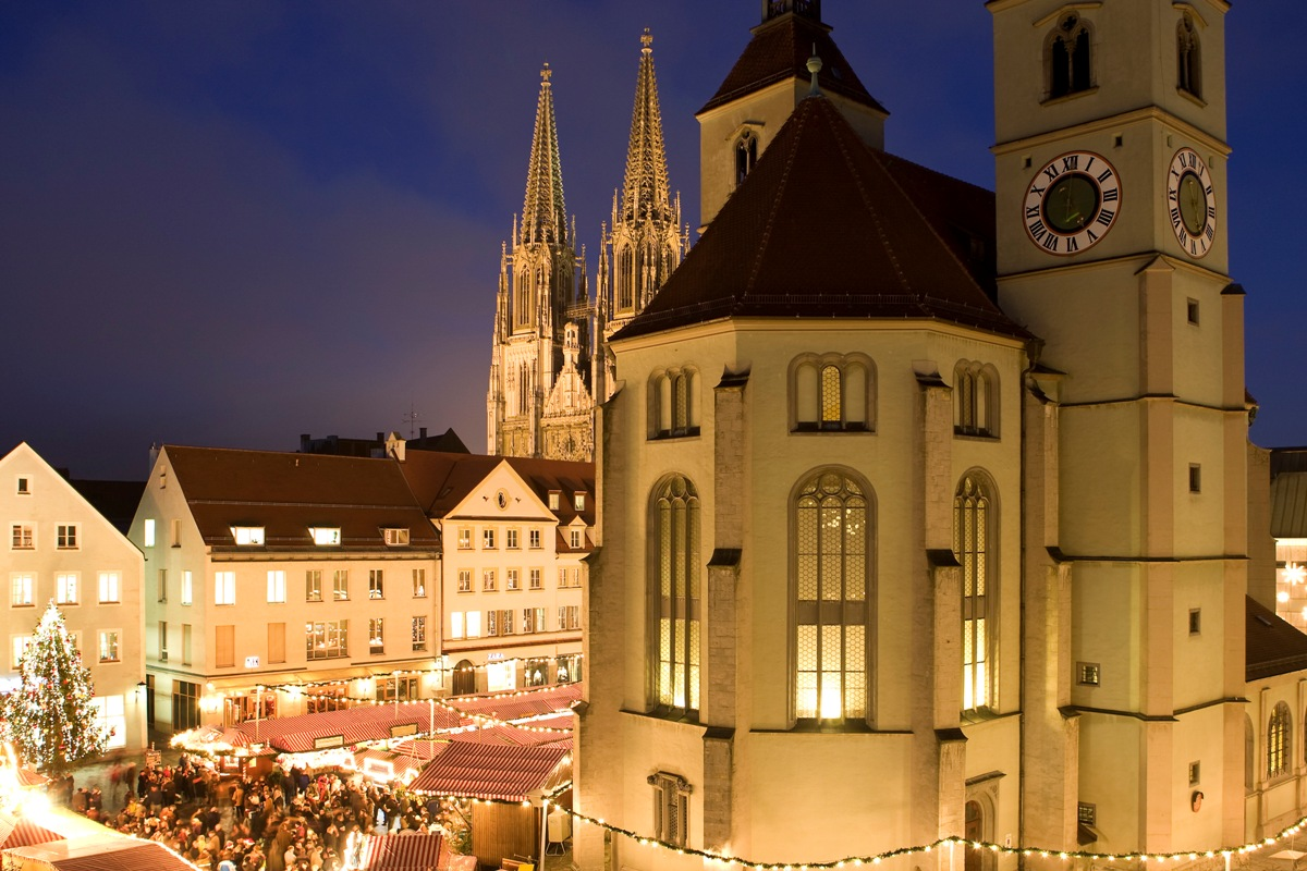 Traditioneller Christkindlmarkt in Regensburg