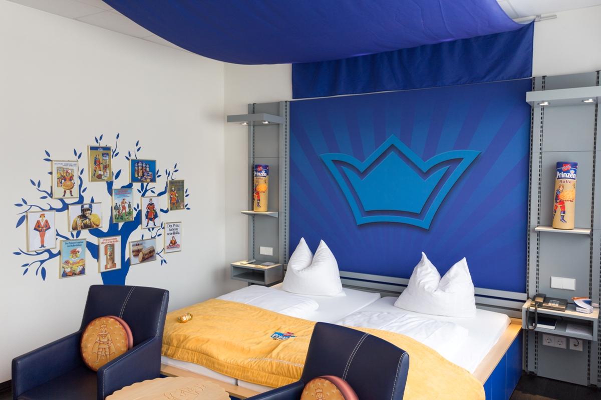 """Themenzimmer """"Prinzenrolle"""" im food hotel Neuwied"""