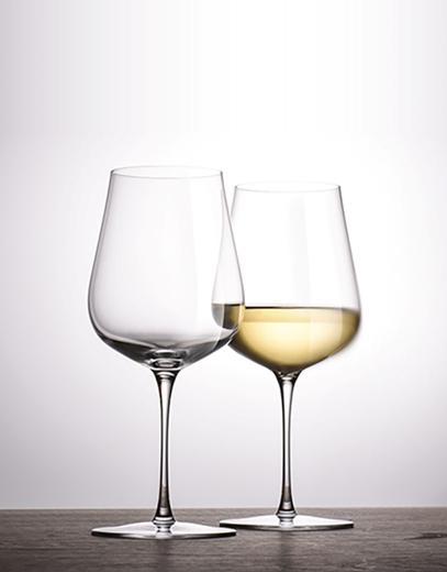 Gläser aus der Reihe AIR DESIGN BY BERNADOTTE & KYLBERG von Zwiesel Kristallglas