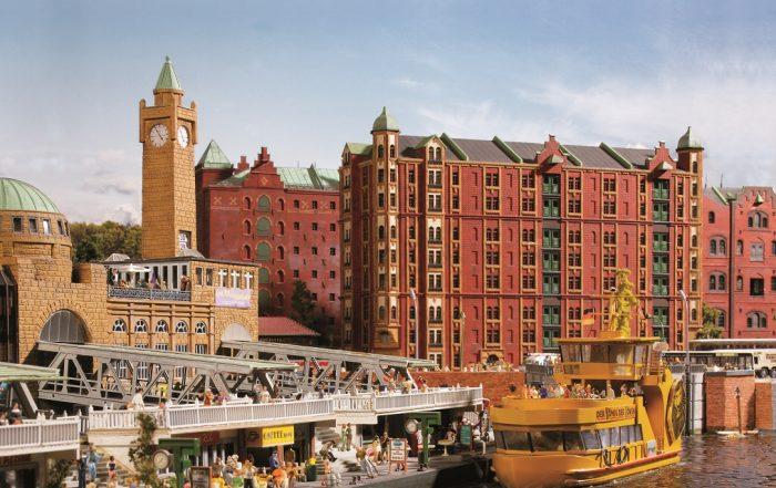 Im Miniatur Wunderland findet sich die Speicherstadt in unmittelbarer Nähe zu den Landungsbrücken