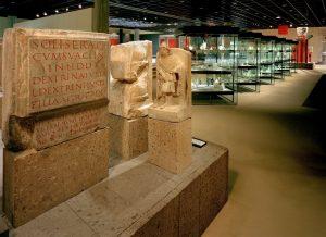 Teile der Dauerausstellung im Obergeschoss des Römisch-Germanischen Museums