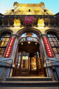 Café Central Eingang