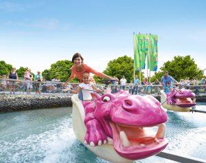 Nilpferd in der Wasserbahn im Ravensburger Spieleland - Freizeitparks