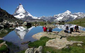 Blick zum Matterhorn im Sommer
