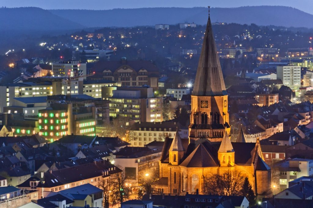 Kaiserslautern bei Nacht - Pfälzer Waldpfad