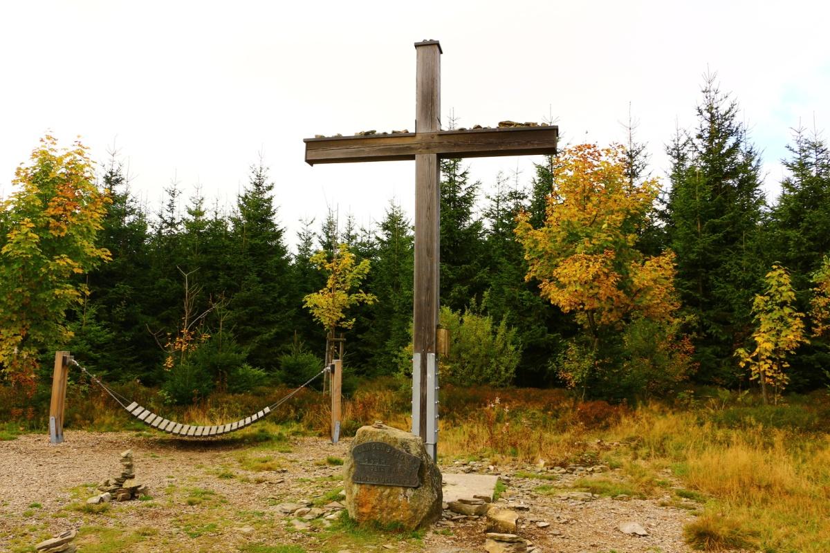 Gipfelkreuz auf dem Langenberg - Rothaarsteig