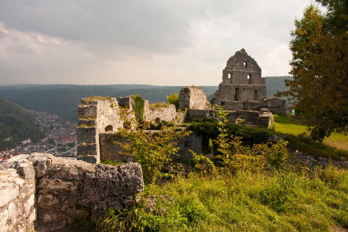 Burgruine Hohenurach - Uracher Wasserfallsteig