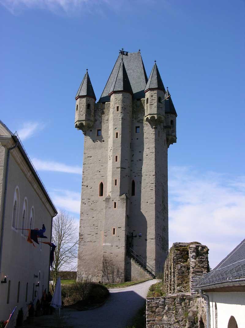 Burg Nassau, Bergfried - Lahnwanderweg