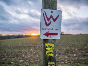 Markierung des Lahnwanderwegs
