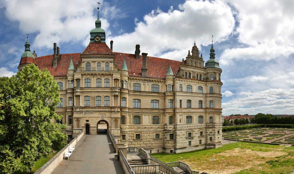 Schloss Güstrow - Radweg Hamburg-Rügen