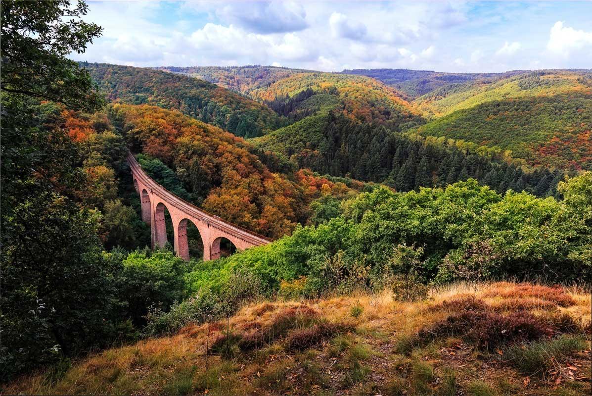 Eisenbahnbrücke im Hunsrück - Saar-Hunsrück-Steig