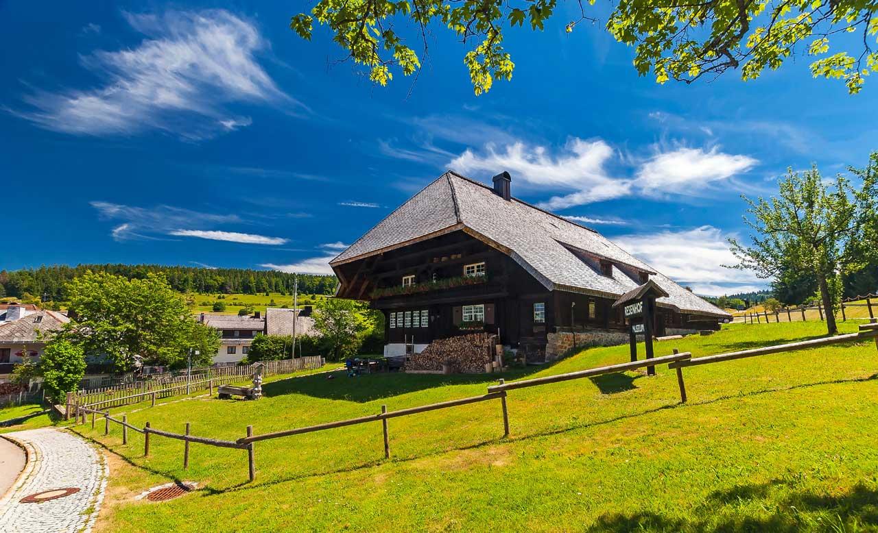 Schwarzwaldhaus im Südschwarzwald - Südschwarzwald-Radweg