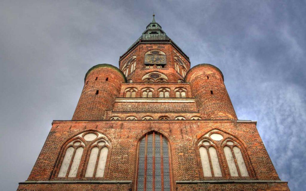 Dom St. Nikolai, Greifswald - Östlicher Backstein-Rundweg