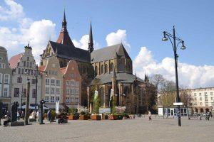 Neuer Markt und Marienkirche in Rostock - Östlicher Backstein-Rundweg