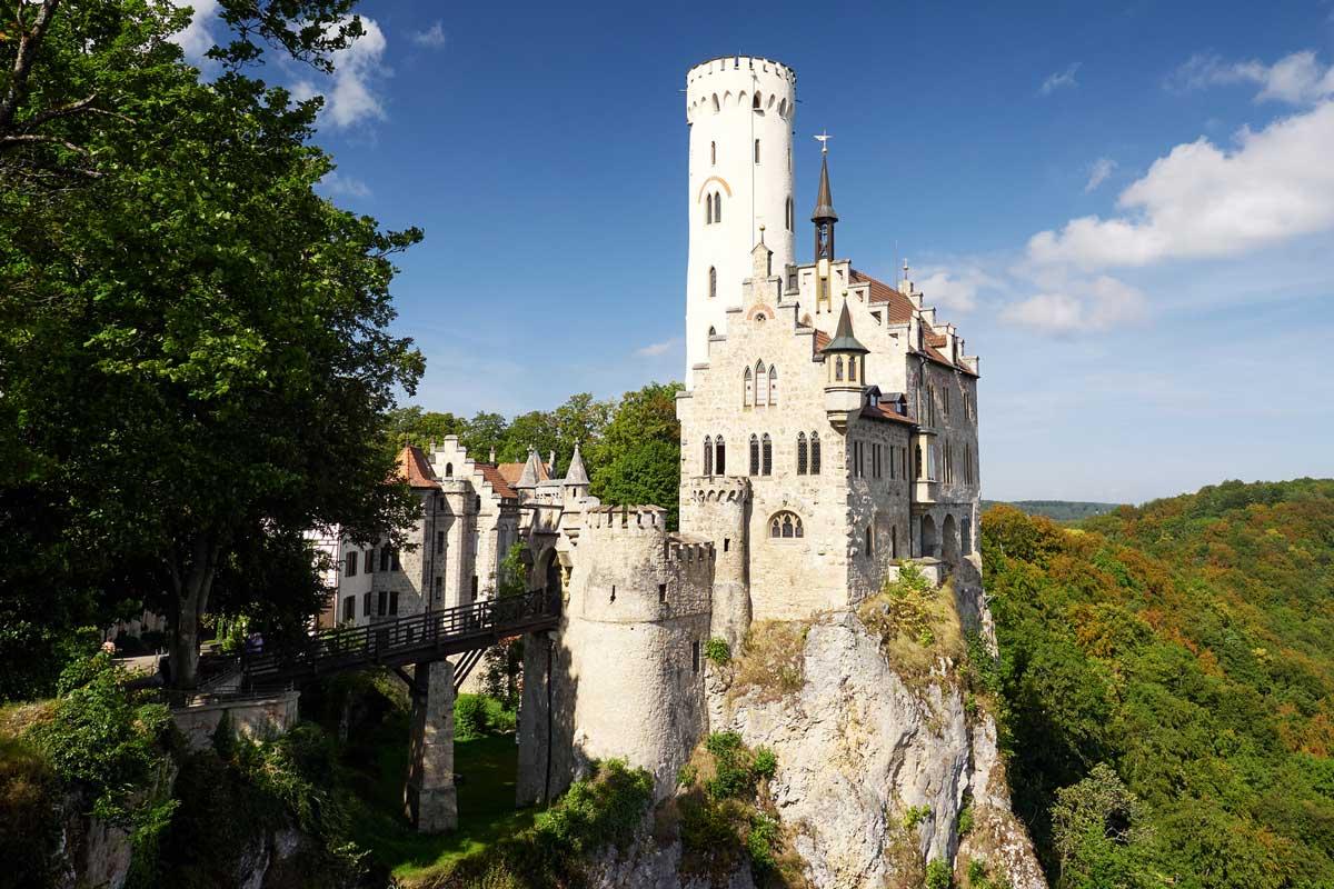 Schloss Lichtenstein auf der Schwäbischen Alb - Burgen und Schlösser