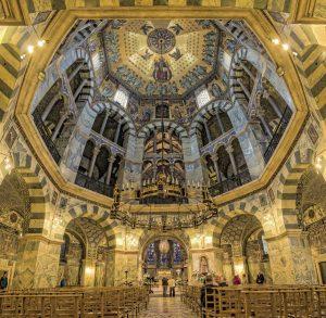 Aachener Dom, innen - Die schönsten Kirchen Deutschlands
