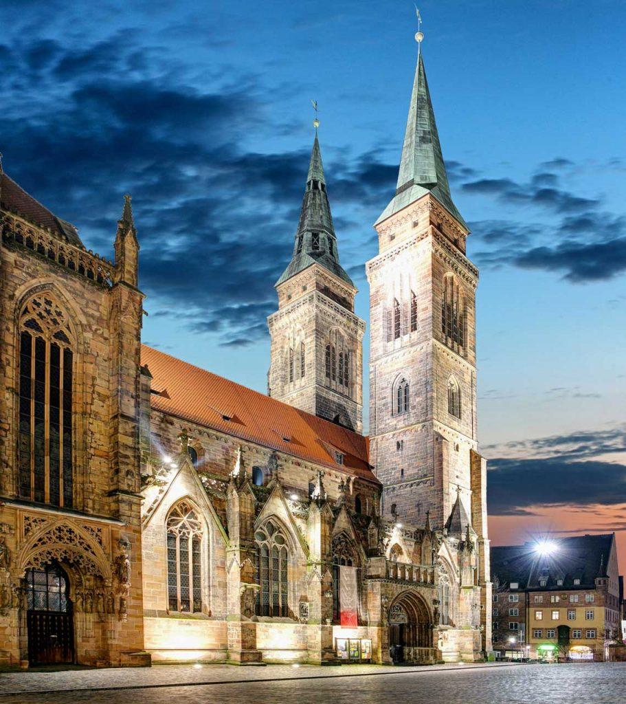 Lorenzkirche Nürnberg - fotolia.com