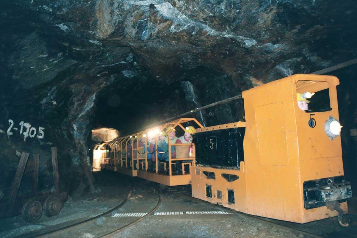 Zinngrube Ehrenfriedersdorf-Grubenbahn im Bergwerk - Höhlen und Schaubergwerke