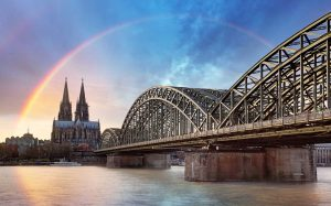 Regenbogen über Köln