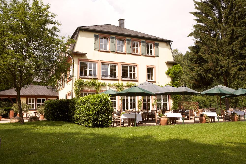 RÜSSELs Landhaus in Naurath (Wald)