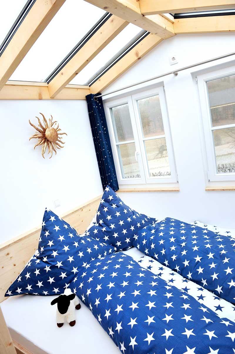 Rhöner Sternenwagen, Bett mit Glasdach