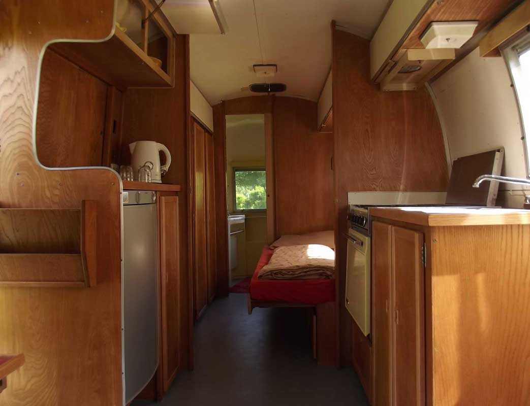 Caravan innen Airstream Hotel Jena