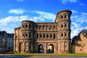 Trier, Porta Nigra - Eifelsteig
