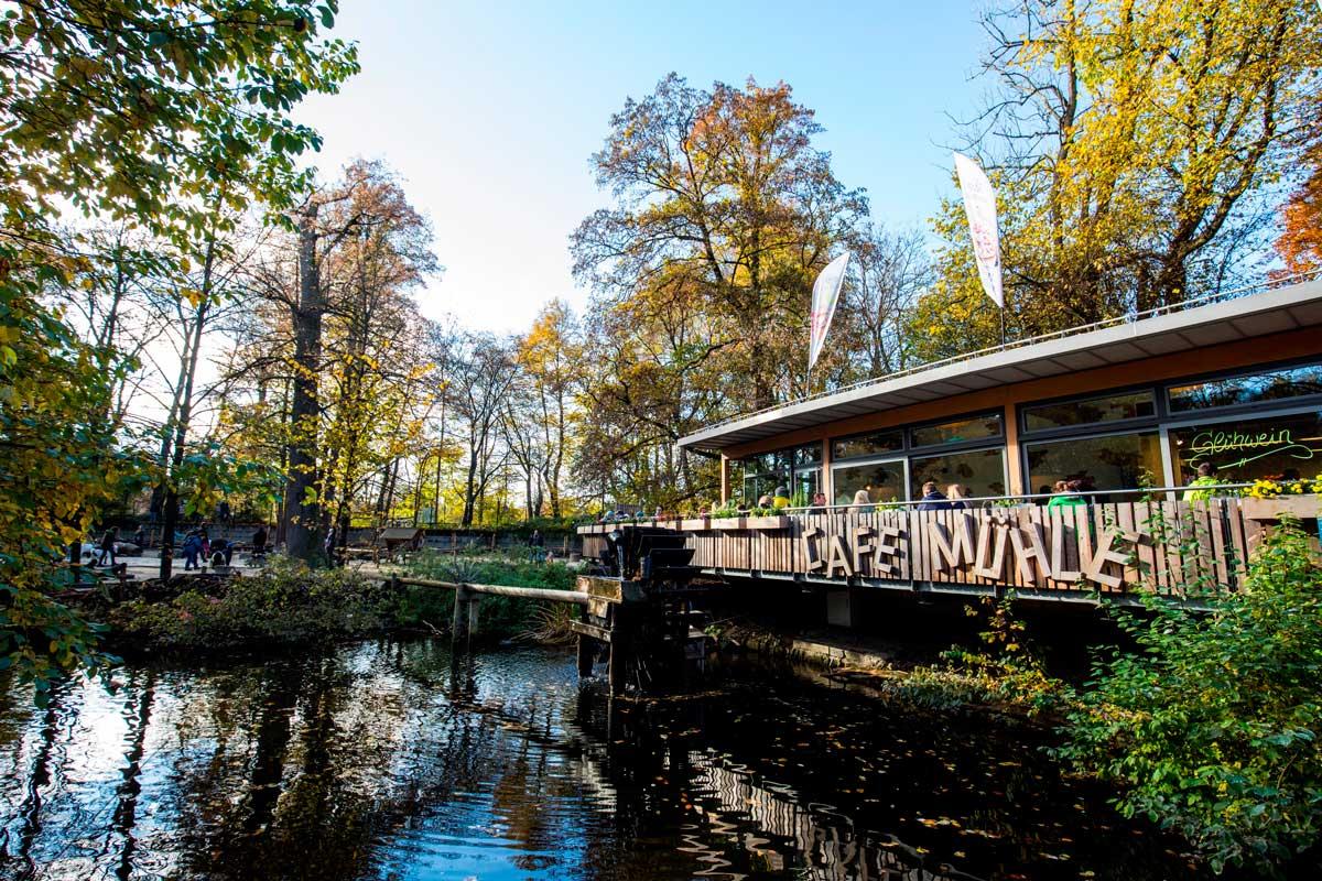 Tierpark Hellabrunn im Herbst - Zoos Deutschland