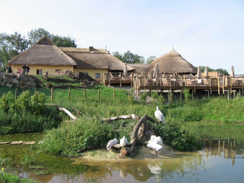 Afrika-Lodge in der Zoom Erlebniswelt Gelsenkirchen - Zoos Deutschland