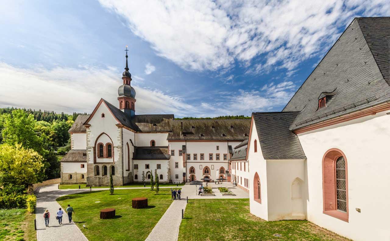 Kloster Eberbach - Rheingauer Rieslingpfad