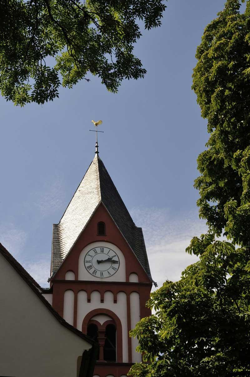 Turm der Bergkirche in Osthofen - RheinTerrassenWeg