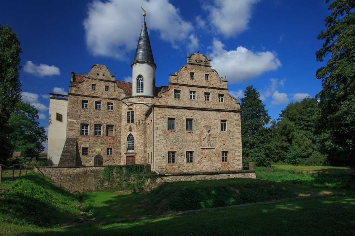 Wasserschloss Oberau - Der Sächsische Weinwanderweg