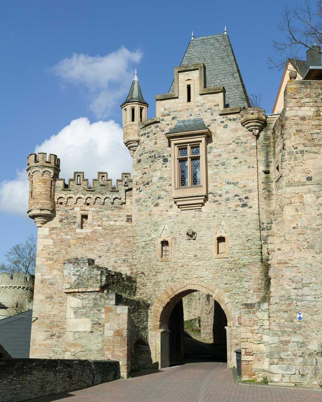 Schloss Dhaun bei Simmertal - Weinwanderweg Rhein-Nahe