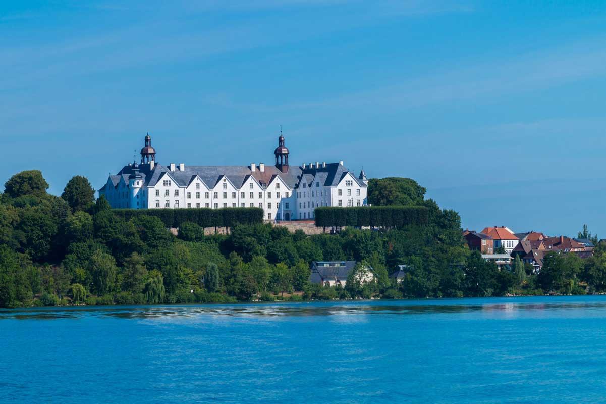 Plöner Schloss am Plöner See - Mönchsweg