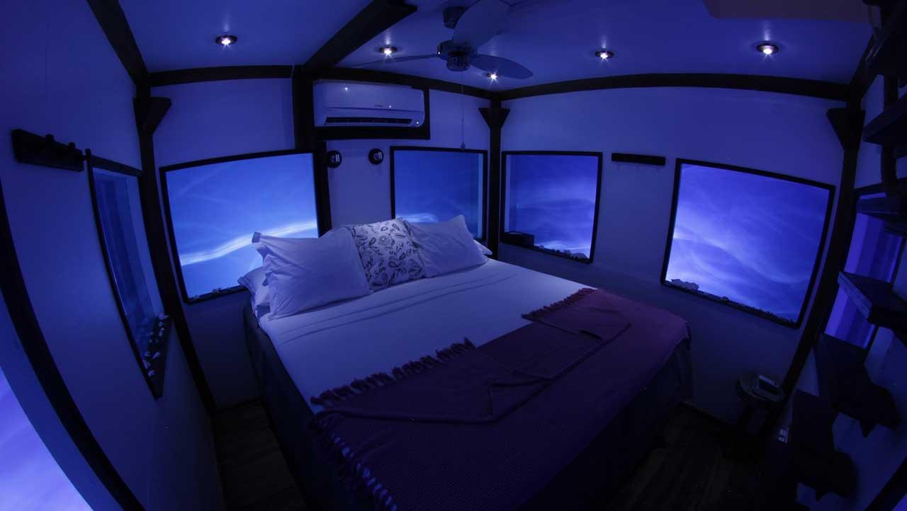 Zimmer bei Nacht - Unterwasserhotels